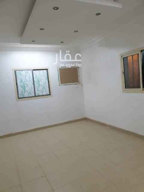 شقة للبيع في شارع القاضي الاشبـيلي ، حي الدار البيضاء ، الرياض