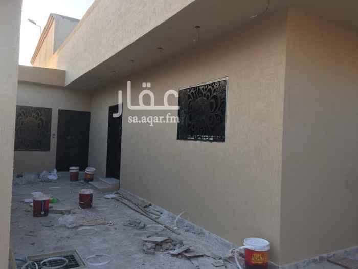 بيت للبيع في حي طويق ، الرياض