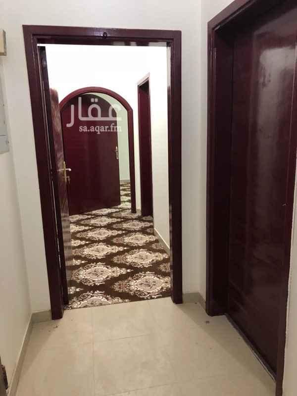 شقة للإيجار في شارع الكاتب ، حي ظهرة لبن ، الرياض