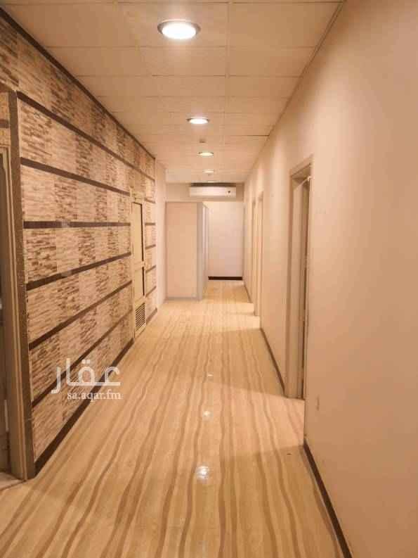 مكتب تجاري للإيجار في شارع الأمير عبدالعزيز بن مساعد بن جلوي ، الرياض