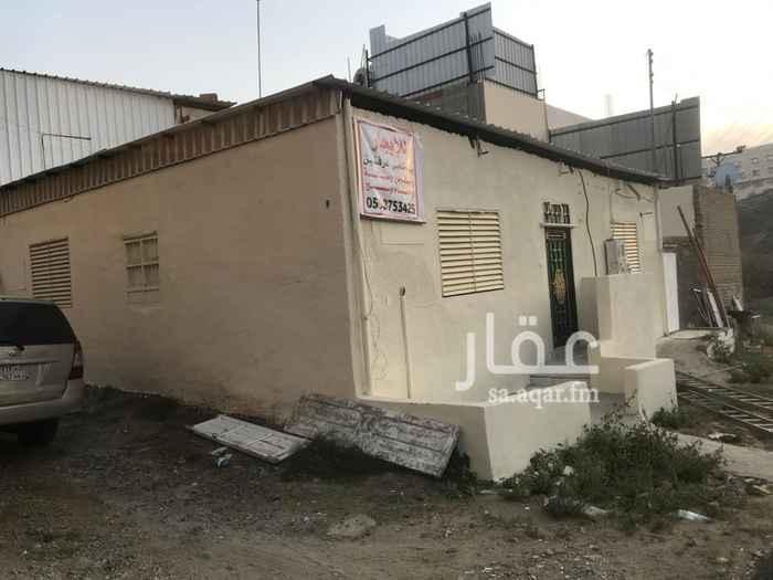 بيت للإيجار في طريق الغديرين ، الهدا ، الطائف