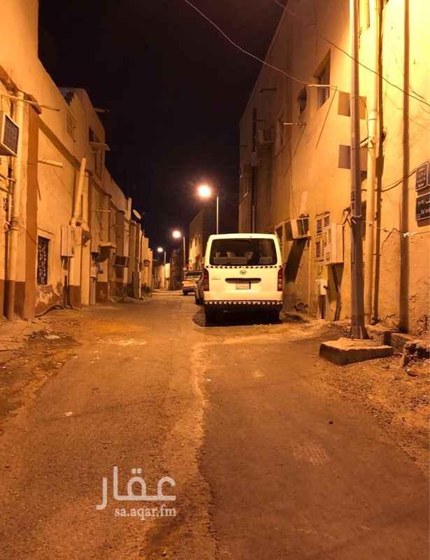 بيت للبيع في شارع الحسن ابن حكمان ، حي الورود ، جدة