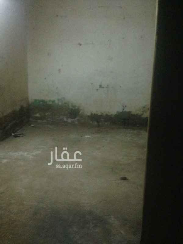 بيت للإيجار في شارع عبدالله بن اقرم الخزاعي, بني ظفر, المدينة المنورة