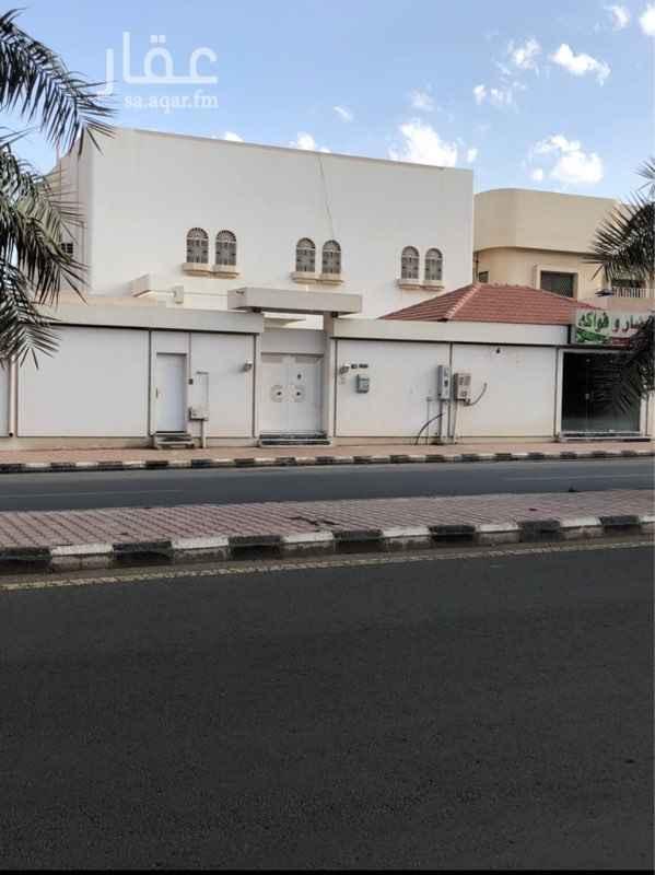 فيلا للبيع في شارع الشيخ عبدالعزيز بن باز ، حي المطار ، حائل