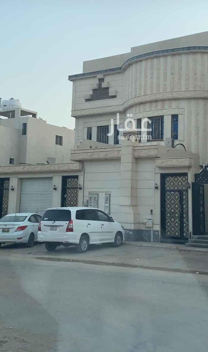 فيلا للبيع في شارع توفيق بن زريق ، حي الرمال ، الرياض