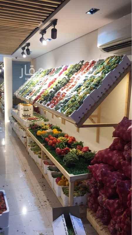 محل للبيع في شارع أبو عبدالرحمن بن عقيل ، حي الخزامى ، الخبر ، الخبر