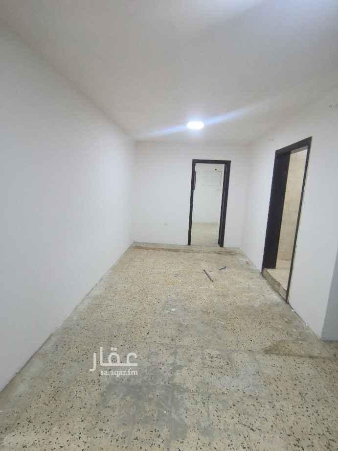 شقة للإيجار في شارع الأمير تركي بن عبدالعزيز الثاني ، حي المروج ، الرياض