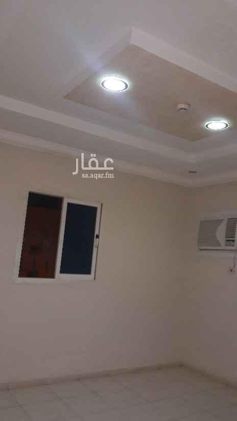 شقة للإيجار في شارع قصيفة ، حي الشهداء ، الرياض