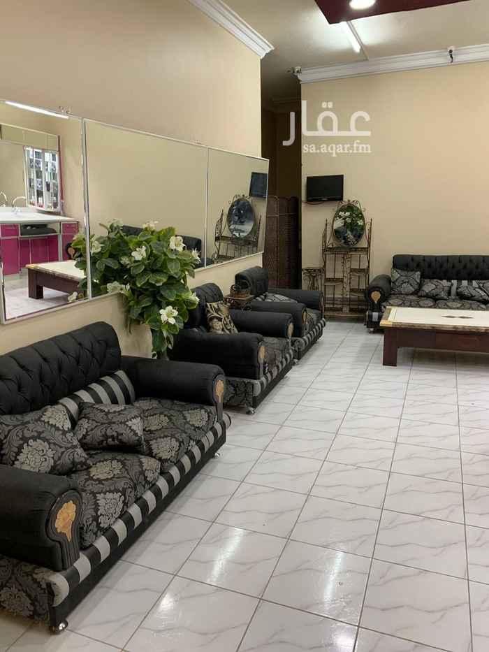 محل للبيع في شارع المشرق ، حي ظهرة لبن ، الرياض ، الرياض