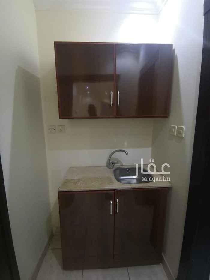 غرفة للإيجار في شارع الحرفين ، حي الملقا ، الرياض ، الرياض