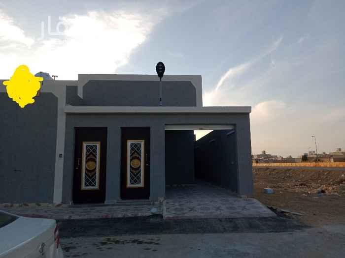 بيت للبيع في شارع الطائف ، حي ظهرة لبن ، الرياض