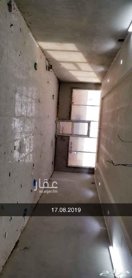 مكتب تجاري للإيجار في طريق ابي بكر الصديق ، الرياض