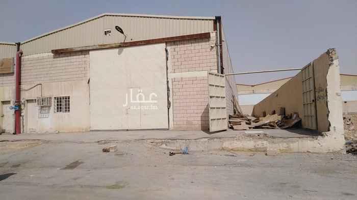 مستودع للإيجار في شارع النهار ، حي المشاعل ، الرياض