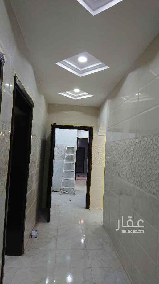 بيت للبيع في شارع عبدالرحمن الخزرجي ، حي الروضة ، تبوك ، تبوك