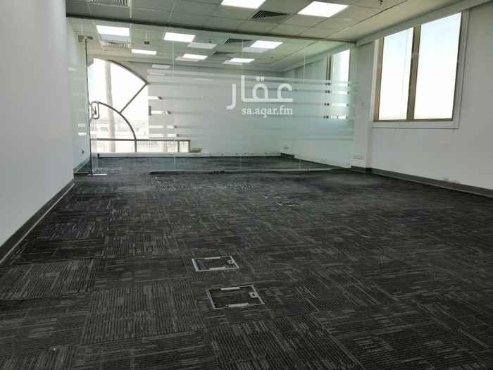 مكتب تجاري للإيجار في شارع انس ابن مالك ، حي الملقا ، الرياض ، الرياض