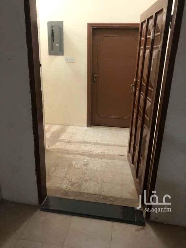 شقة للإيجار في شارع الملك فهد بن عبدالعزيز ، حي الفيصلية ، الدرعية ، الرياض