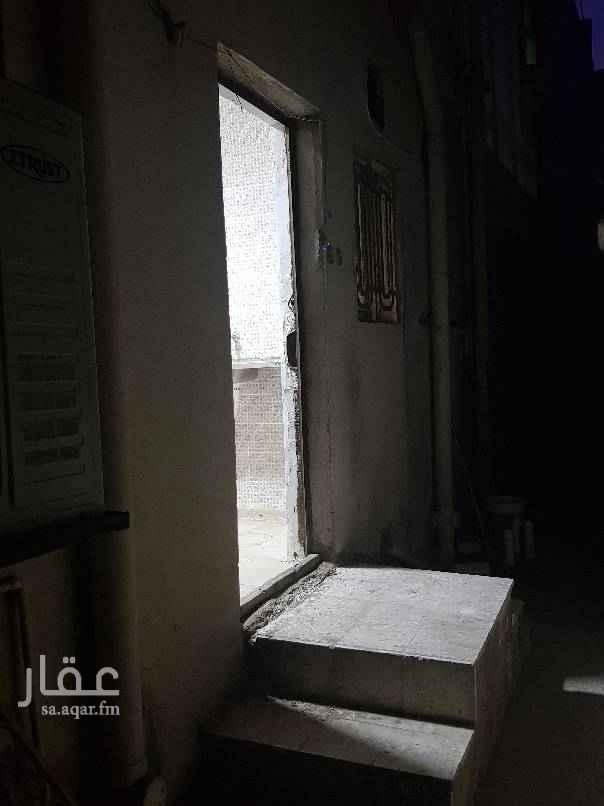 شقة للإيجار في شارع عمرو بن مطعم ، حي الفيصلية ، جدة