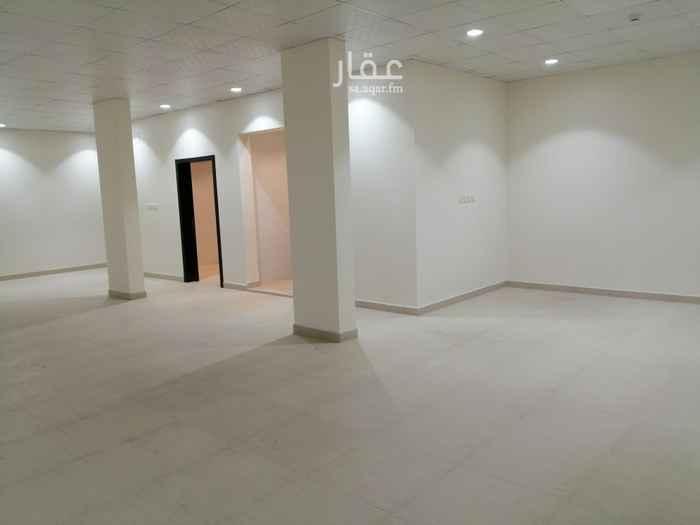 مكتب تجاري للإيجار في شارع تبوك ، حي ظهرة لبن ، الرياض ، الرياض