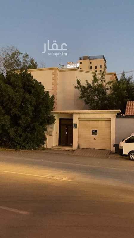 فيلا للإيجار في شارع التحلية ، حي العقيق ، الرياض ، الرياض