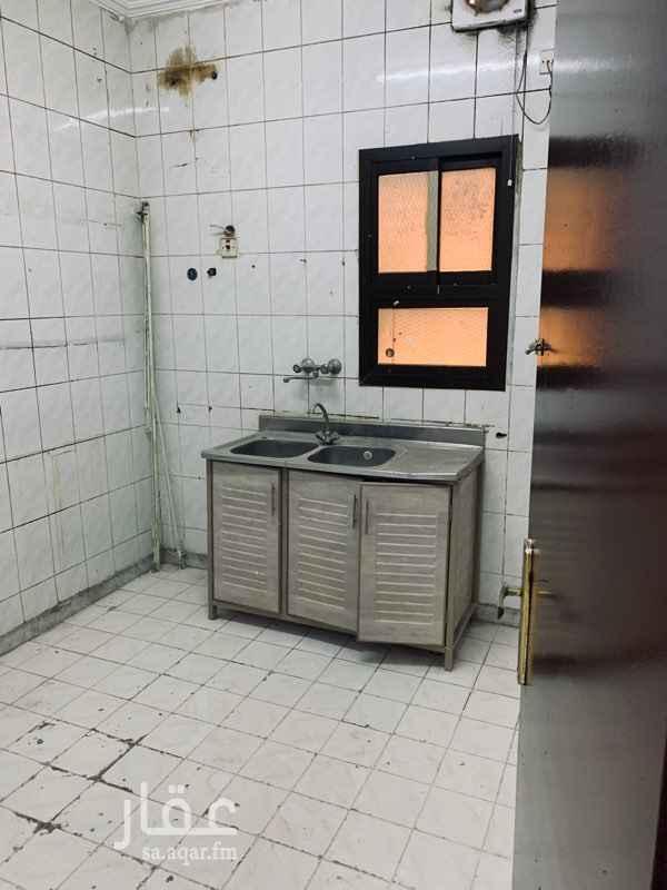 شقة للإيجار في شارع ابن عبدالرزاق الدمشقي ، حي الخالدية ، الرياض
