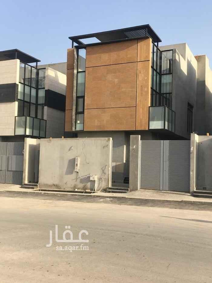 فيلا للبيع في شارع محمد بن عبدالباقي سنبل ، حي القيروان ، الرياض