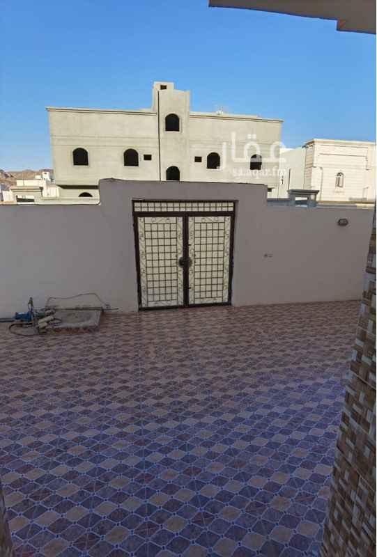 شقة للإيجار في شارع سلمة بن عياض الاسدي ، حي السلام ، المدينة المنورة