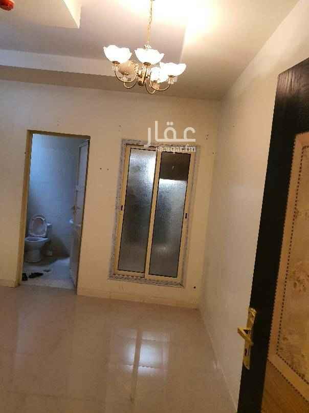 مكتب تجاري للإيجار في شارع فهد بن زعير ، حي الشفا ، الرياض