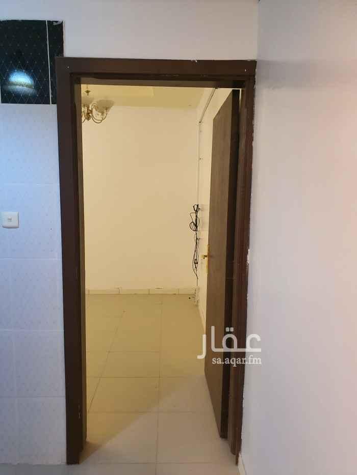مكتب تجاري للإيجار في شارع ابي تمام ، حي الشفا ، الرياض ، الرياض