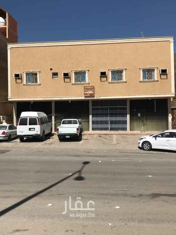 محل للإيجار في شارع عبدالله بن الزبير ، حي العريجاء الغربية ، الرياض