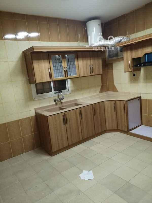 شقة للإيجار في شارع ابي عبدالله بن عبدالجبار ، حي الشفا ، الرياض