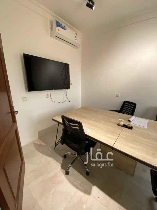 مكتب تجاري للإيجار في شارع الكيال ، حي الروضة ، جدة ، جدة