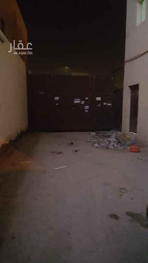 عمارة للإيجار في حي العارض ، الرياض