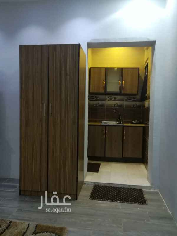 غرفة للإيجار في شارع حفص بن أبي العاص ، حي الدفاع ، المدينة المنورة