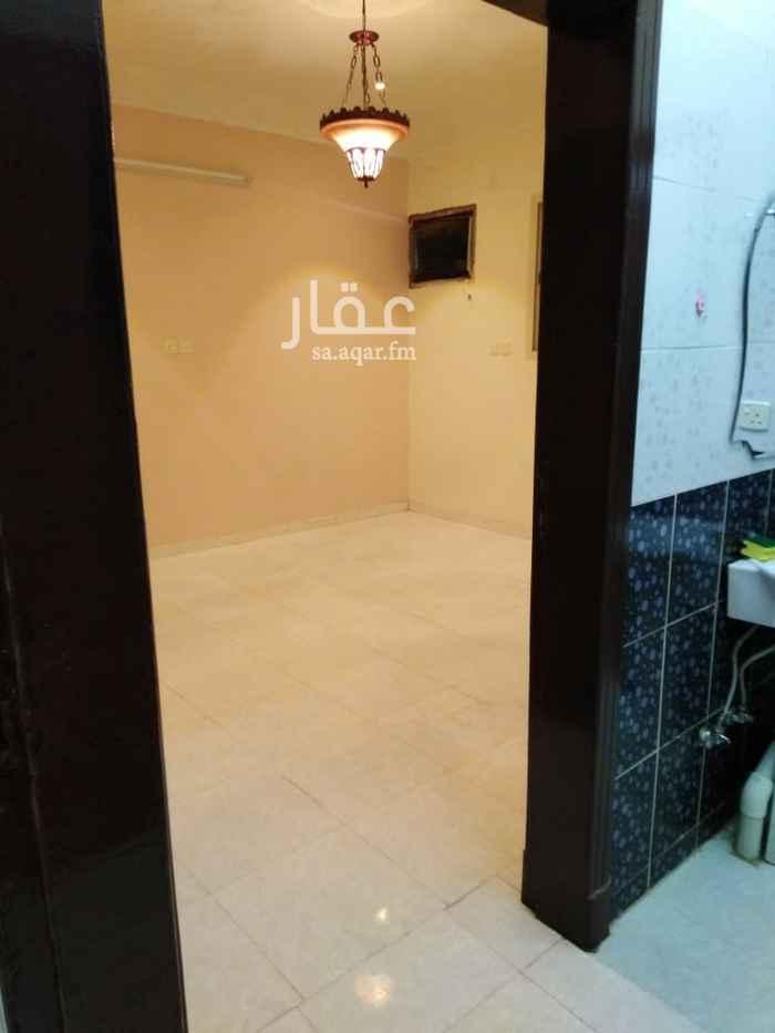 شقة للإيجار في شارع الشيخ إسحاق بن عبد الرحمن بن حسن ، حي ظهرة نمار ، الرياض ، الرياض