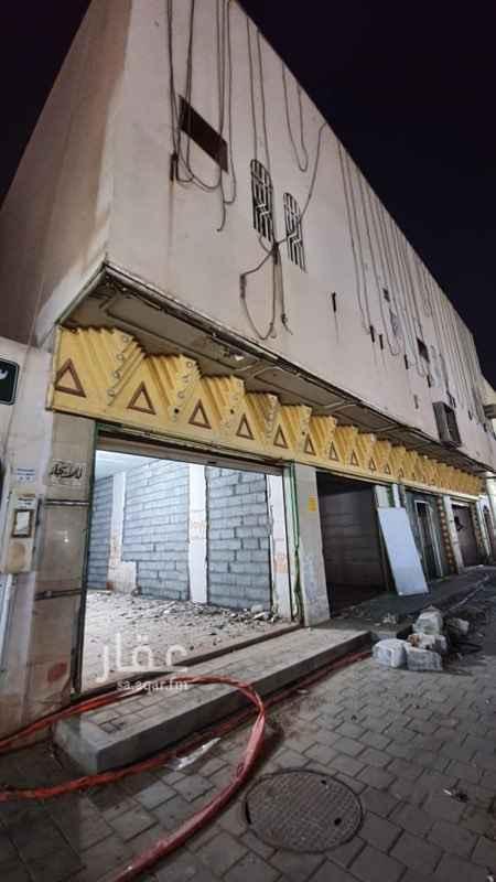عمارة للإيجار في شارع خديجة بنت خويلد ، حي طويق ، الرياض ، الرياض
