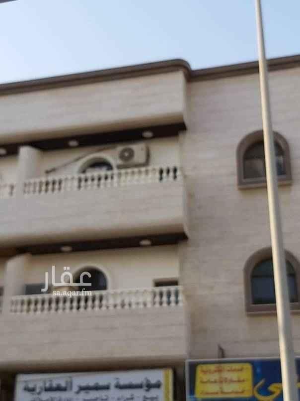 عمارة للبيع في شارع ابو الحسن الهمذاني ، حي البوادي ، جدة