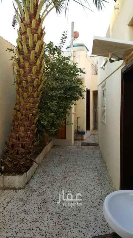 بيت للبيع في شارع وادي حوران ، حي العزيزية ، جدة