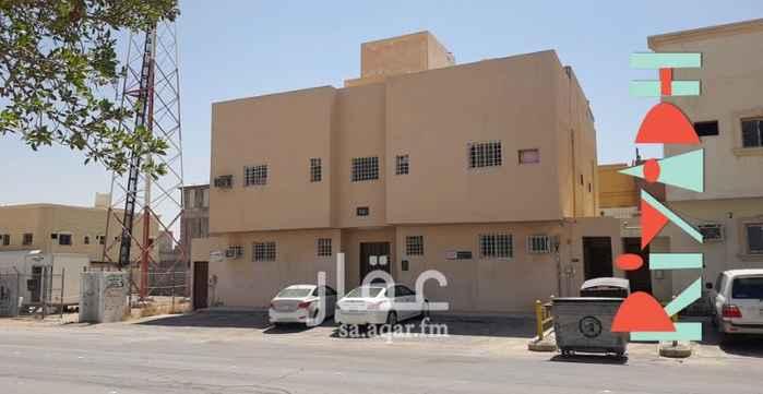 عمارة للبيع في شارع خديجة بنت ابي الحسن ، حي العريجاء الغربية ، الرياض