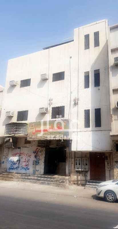 عمارة للبيع في شارع المعاقلة ، حي منفوحة الجديدة ، الرياض