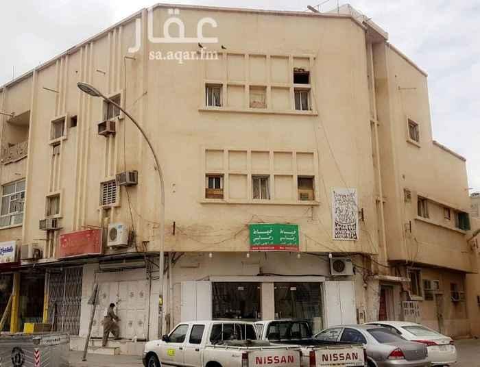 عمارة للبيع في شارع سعد ال مبارك ، حي ام سليم ، الرياض