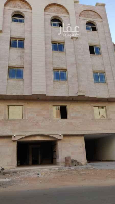 عمارة للبيع في شارع عبدالله بن ربيعه ، حي الملك فهد ، المدينة المنورة