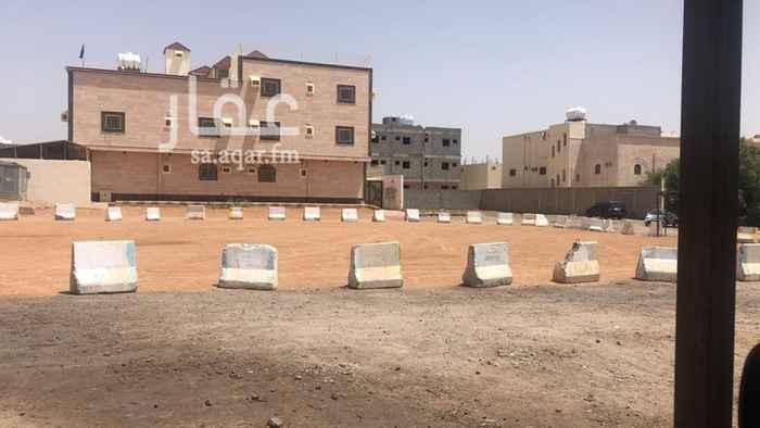 عمارة للبيع في شارع نعم بنت حسان ، حي الدفاع ، المدينة المنورة ، المدينة المنورة