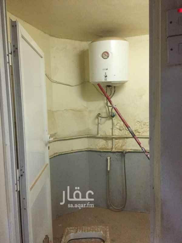 مستودع للإيجار في شارع اسماء بنت مالك ، حي النهضة ، الرياض