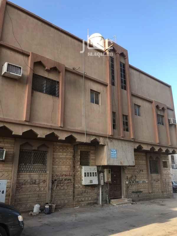 عمارة للبيع في شارع الدليمية ، حي اليمامة ، الرياض