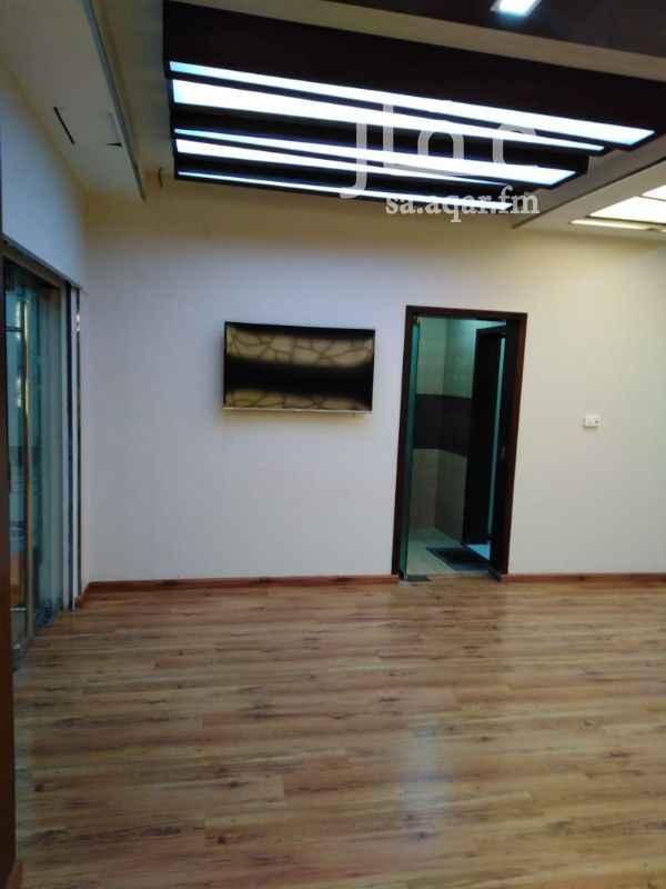 مكتب تجاري للإيجار في شارع الملك عبدالعزيز ، حي العزيزية ، الدمام ، الدمام