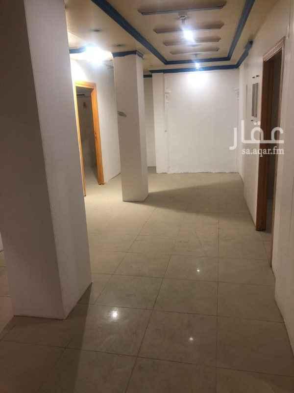 عمارة للإيجار في شارع البطحاء ، حي منفوحة الجديدة ، الرياض