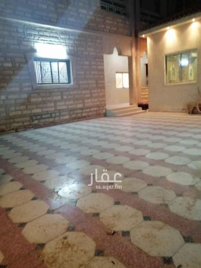 دور للإيجار في شارع مطيع بن عامر ، حي العزيزية ، الرياض