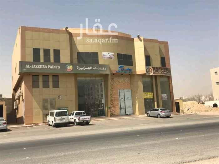 محل للإيجار في طريق الامير محمد بن سعد بن عبد العزيز - حي الملقا ، الرياض