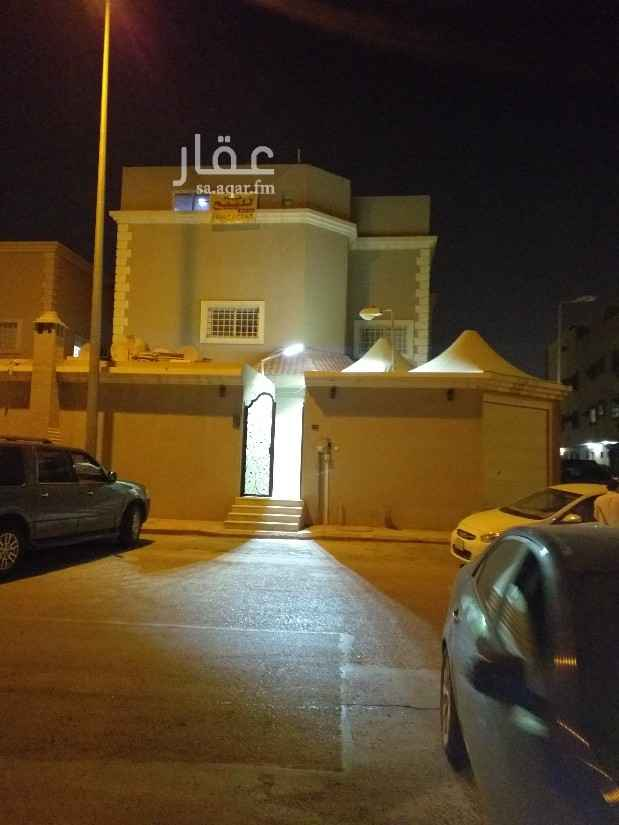 فيلا للبيع في شارع عبدالله بن سيف ، حي العقيق ، الرياض