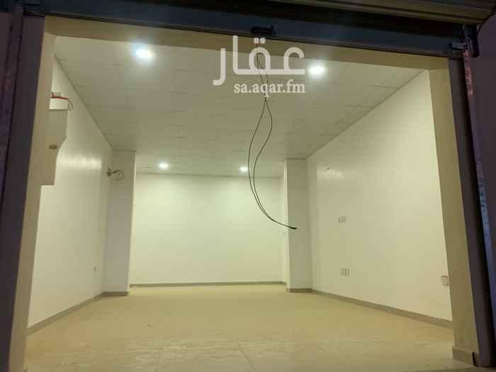 محل للإيجار في شارع زهير بن ابي سلمى ، حي المنار ، الدمام